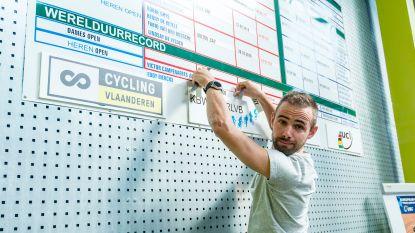 Campenaerts werkt werelduurrecord van Wiggins nu ook letterlijk van de tabellen