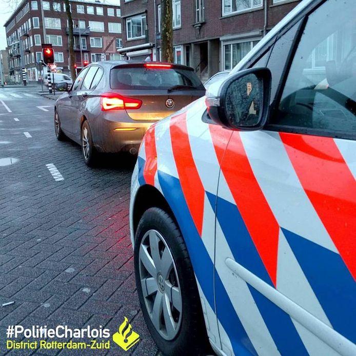 Man aangehouden op Mijnsherenlaan in Charlois voor rijden terwijl rijbewijs is ingevorderd.