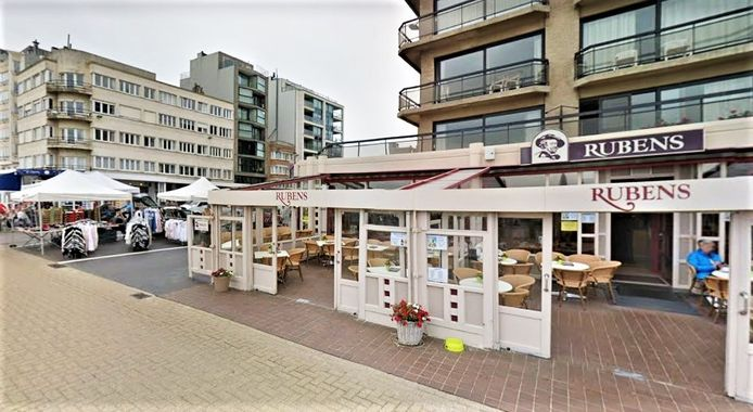 Brasserie Rubens op de Zeedijk in Oostduinkerke.