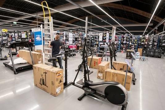 De fitnessafdeling van Deacthlon in de Arnhemse Rijnhal.