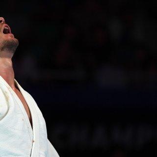 Wereldkampioen judo Noël van 't End reageert koninklijk op zure nederlaag in vijandige hal