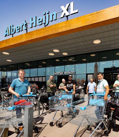 Supermarktpersoneel voert actie voor beter loon: 'Het is het gesprek van de dag in de kantine'