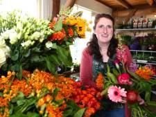 Leny startte haar eigen bloemenzaak: 'Het is heel hard werken, maar dat is het zeker waard'