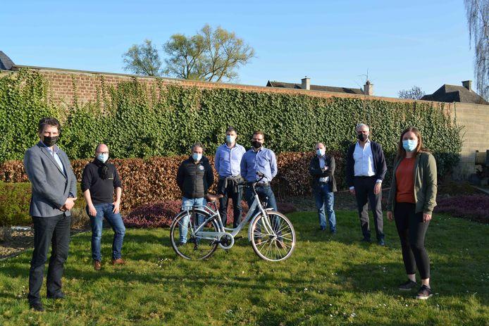 Pieter-Jan Bosman uit Lennik wint de wedstrijd én daardoor een fiets.