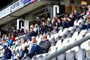 Eenmaal in het stadion gelden nauwelijks nog beperkingen. De enige regel, ook bij het oefenduel tegen SV Rödinghausen : blijven zitten.