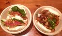 De steamed bun's, met kippendijtjes en met gado gado.