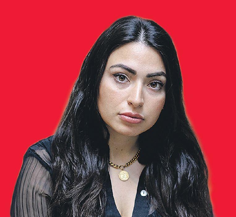 Schrijfster Lale Gül uitte in haar debuutroman 'Ik ga leven kritiek' op Turkse en islamitische tradities waarmee ze oproeide en ontving wekenlang online dreigberichten. Beeld ANP