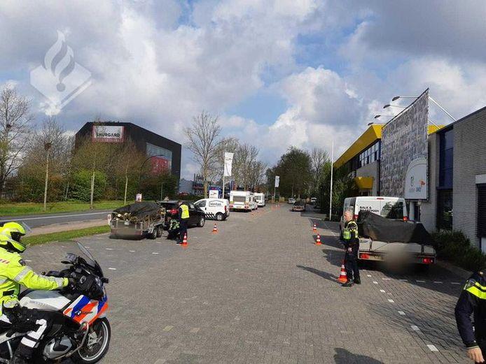 De politie heeft zaterdag in Hengelo 44 bekeuringen uitgeschreven.