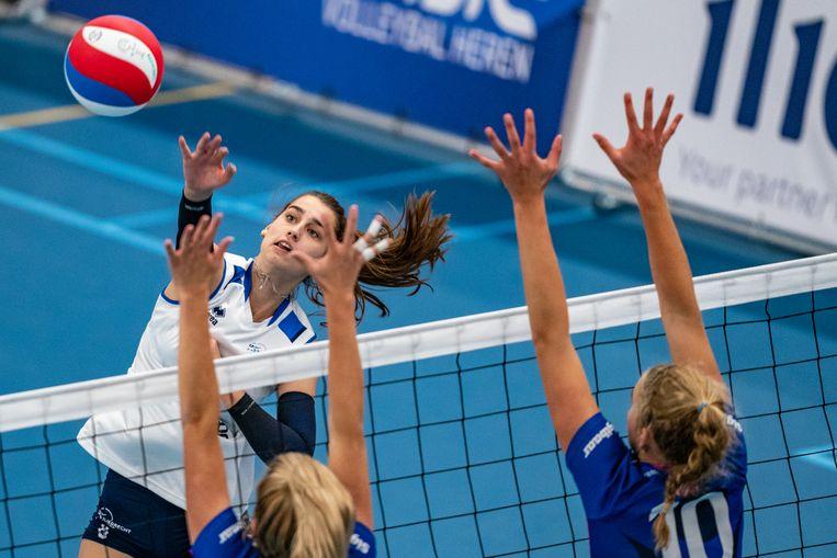 Julia Joosten, Sliedrecht Sport, op 4 oktober in de finale van de Super Cup.  Beeld Hollandse Hoogte /  ANP