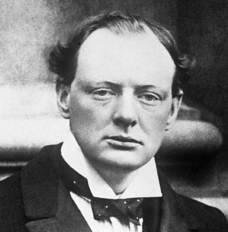 Een jonge Winston Churchill in 1904. Beeld
