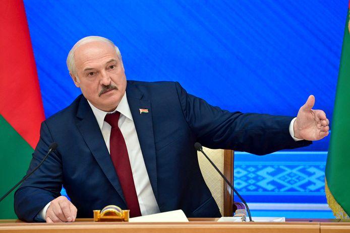 De Wit-Russische president Aleksandr Loekasjenko, gisteren tijdens zijn persconferentie.