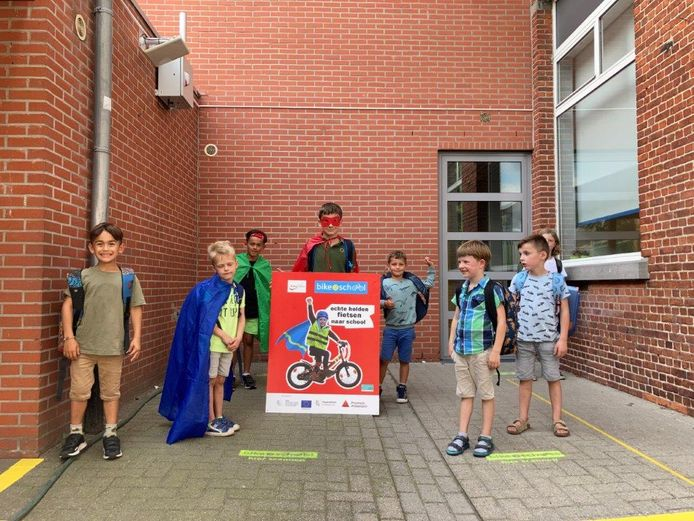 De scholen Spijker en Scharrel starten met Bike2School.