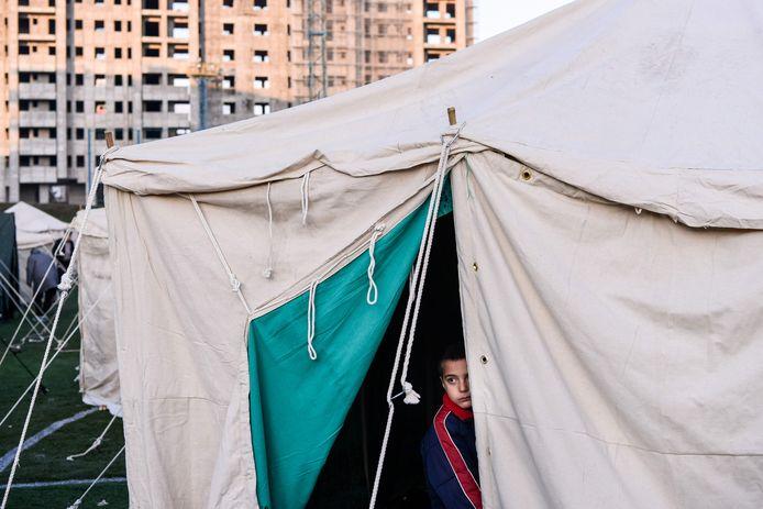 Sommige Albanezen sliepen in tenten.