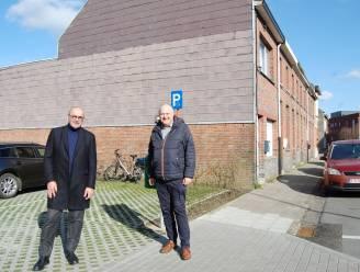 """Krotten in de Bijlstraat maken plaats voor acht aanpasbare noodwoningen: """"Ruimtes kunnen groter of kleiner gemaakt worden"""""""