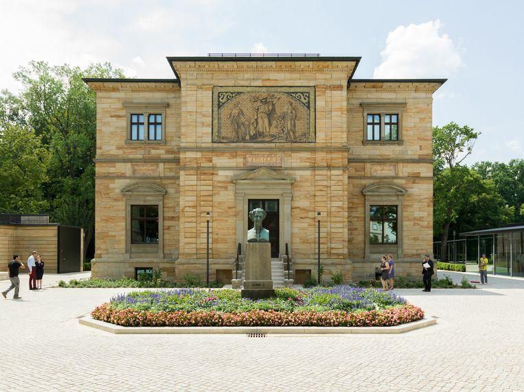Museum-Richard-Wagner in Bayreuth is heropend. De glazen nieuwbouw. Beeld null