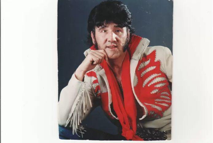 Brugman als Elvis.