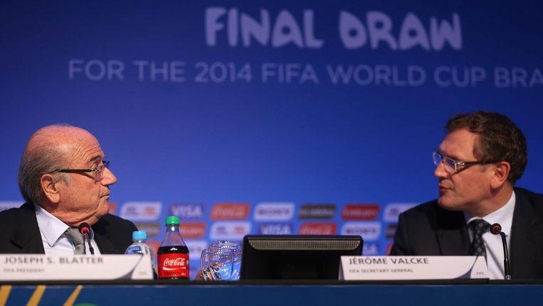 Valcke, rechts van Blatter Beeld anp