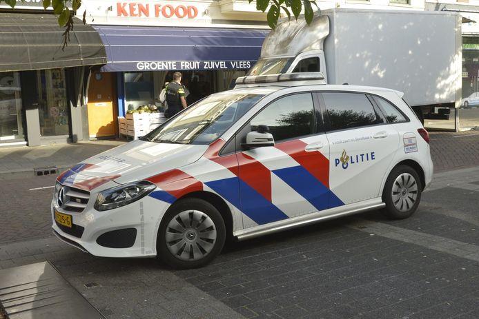 De politie deed onderzoek in de omgeving na de beroving op de Tramsingel in Breda.