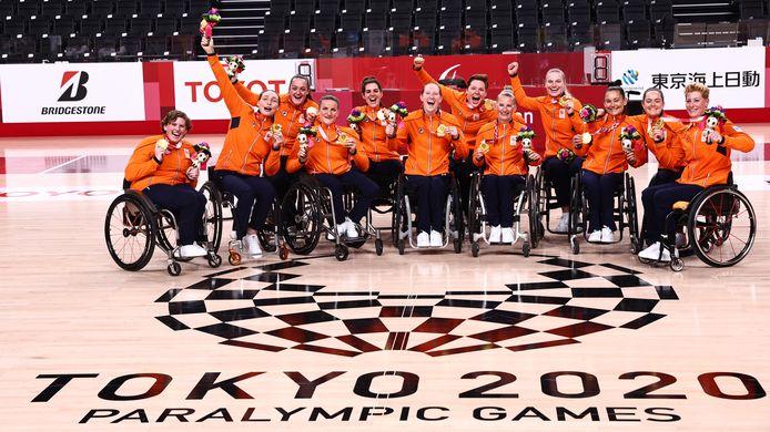 De rolstoelbasketbalsters veroverden in Tokio het goud.