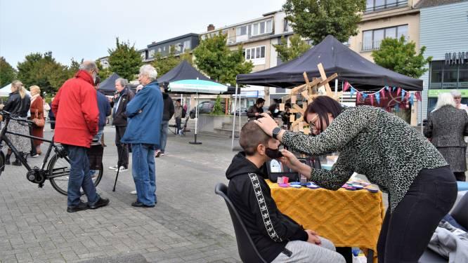 """'Faire markt' lokt pak volk en gezelligheid naar Groenplein: """"We hebben stof tot nadenken"""""""