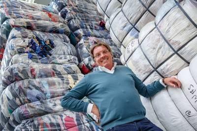 Gerrit (57) werd miljonair door wc-papier, maar wil graag gewoon blijven: 'Drink bier met vuilnisman'