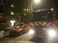 Brand in woning Haagse Robertaland: vrouw ademt rook in