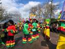 Veel kleur en feest in de optocht van Eerde.