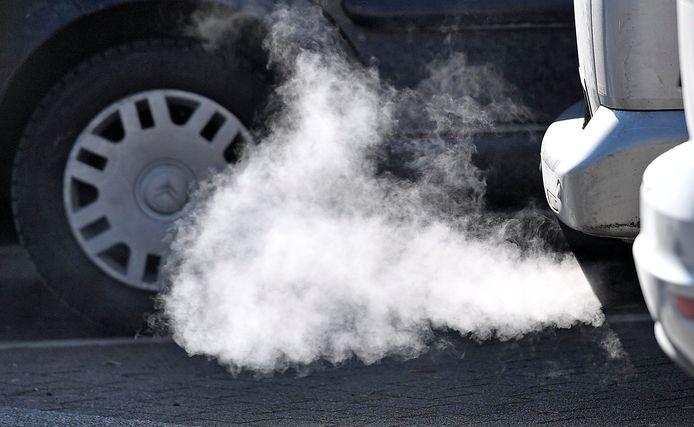 Uitstoot van een dieselauto.