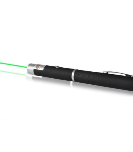 Taakstraf voor Hagenaar (46) die met laserpen in gezicht politieman schijnt