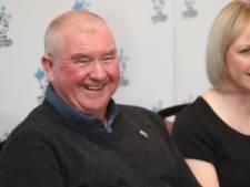 Brits koppel wint ruim 2 miljoen euro, drie dagen later wordt hun zoon kankervrij verklaard