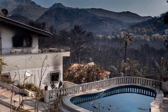 Het vakantiehuis van de familie Humme is onbewoonbaar geworden door bosbranden in Spanje.