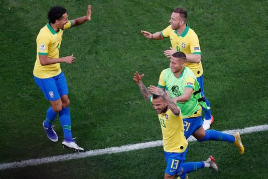 Feest bij de Brazilianen na de 4-0.