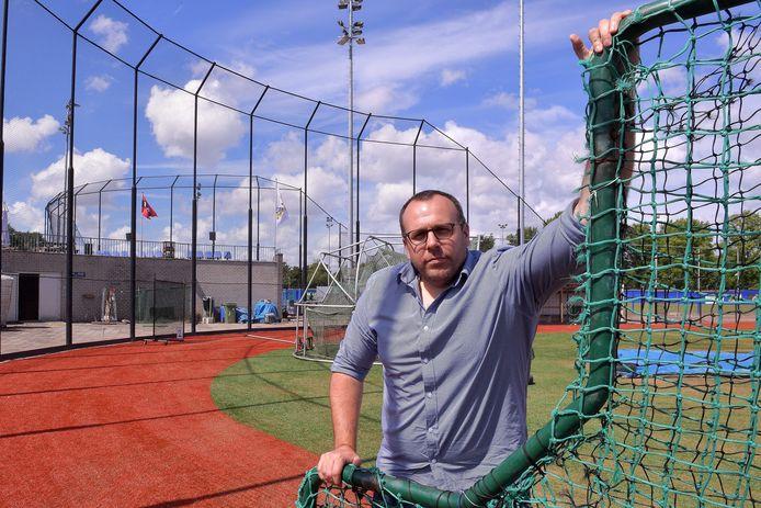 Tjerk Smeets, momenteel technisch directeur van de honkbalbond, is één van de kandidaten om Adriaan Visser bij PEC op te volgen.