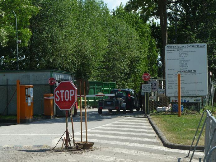 Het recyclagepark in De Pinte.