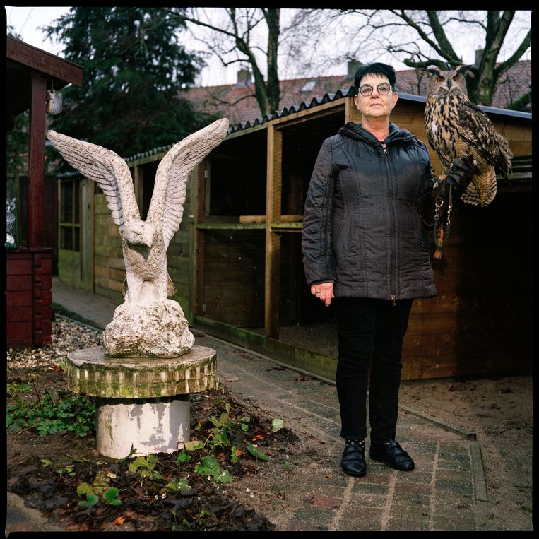 Marga Hueben met haar uiltje.  Beeld Jan Dirk van der Burg