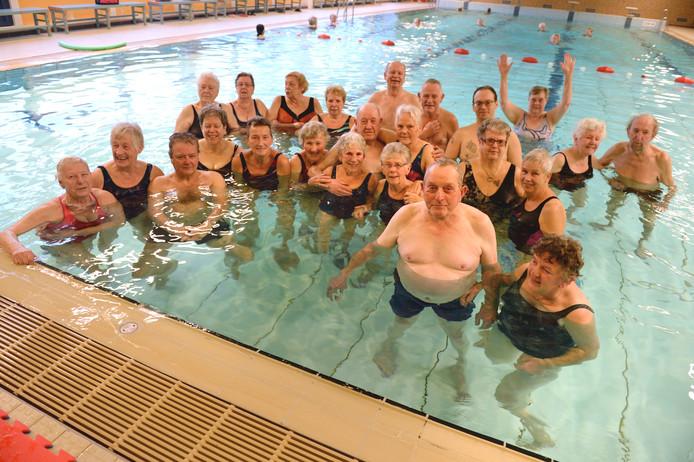d236f74ca82 Glanerbrugger senioren gingen vrijdagochtend voor het laatst het water van  De Brug in.