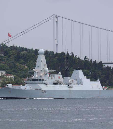 Un navire britannique visé par des tirs russes en mer Noire? Moscou se justifie, Londres dément