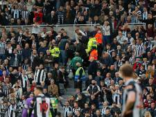 Duel tussen Newcastle United en Spurs stilgelegd vanwege reanimatie op tribune