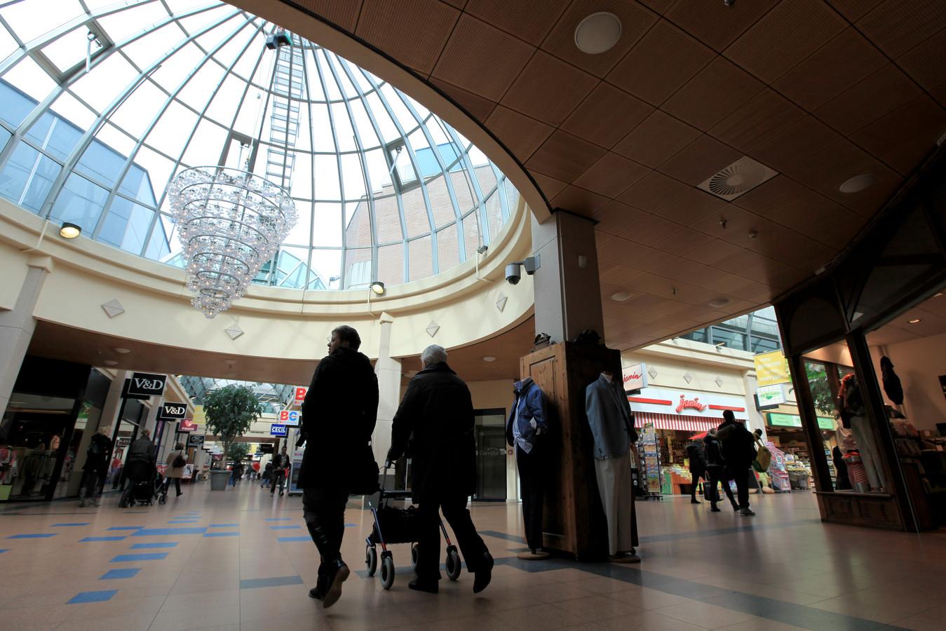 Winkelen in Veenendaal mag op koopzondag pas om 13 uur.