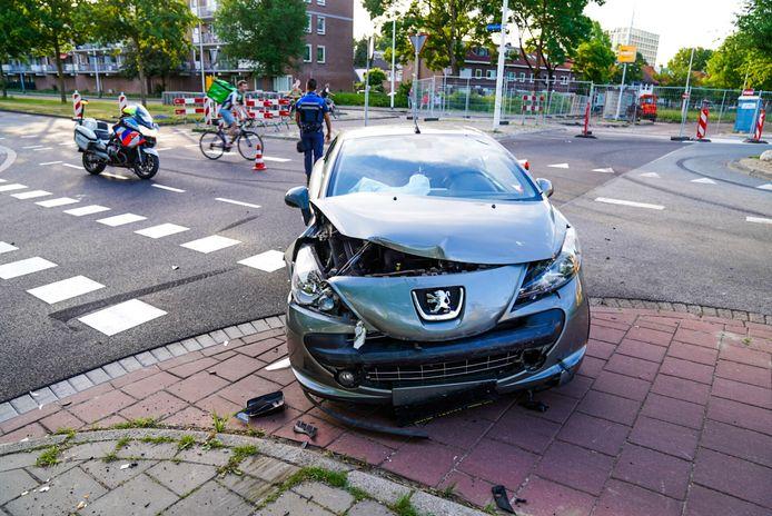 De auto's raakten bij de botsing flink beschadigd