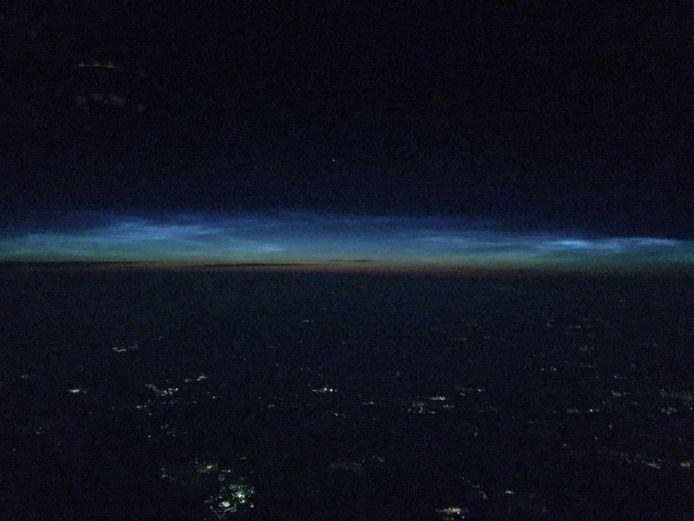 'Hierbij foto's van de ijswolken gespot vanuit de cockpit, vanuit mijn kantoor', schrijft piloot Greg Sneeuw, die deze foto maakte.