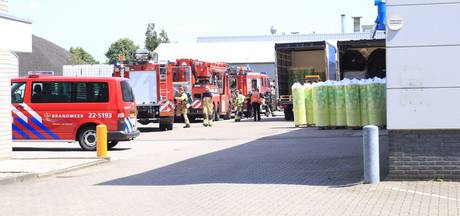 Brand bij strijkplankenfabrikant in Helmond, personeel geëvacueerd