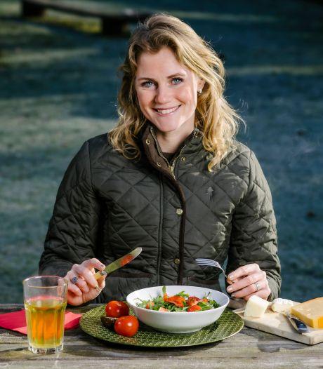 Nooit meer naar de groenteboer: boswachter vertelt welke planten eetbaar zijn