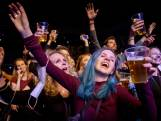 Feestvreugde, maar ook verbazing om persconferentie Rutte: 'We worden aan het lijntje gehouden'