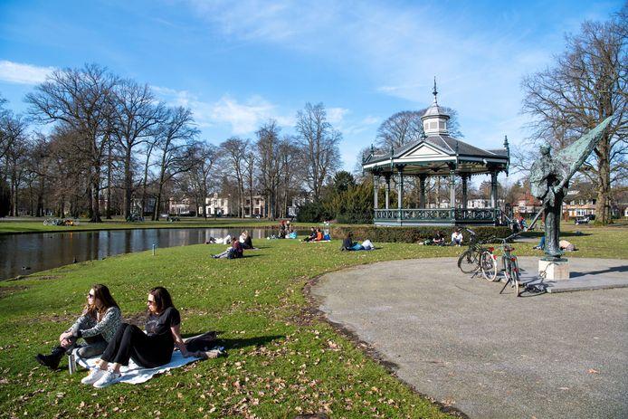 Het was lente in het Oranjepark, deze zondag.