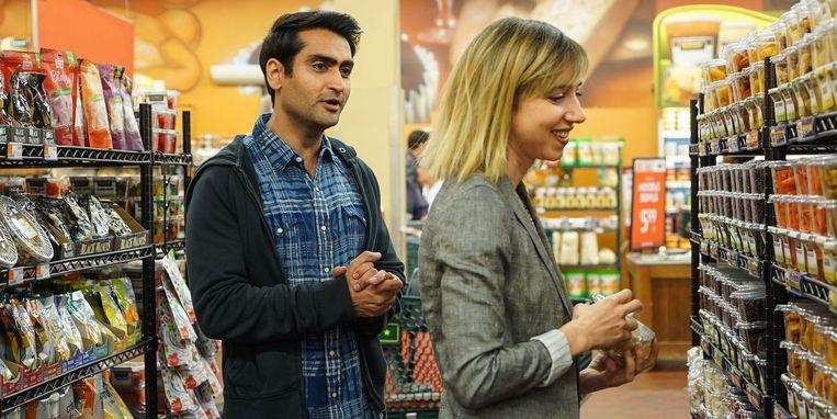 Kumail Nanjiani en Zoe Kazan in 'The Big Sick' van Michael Showalter. Beeld