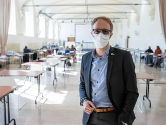 Rik Van de Walle overtuigt UGent en blijft nog vier jaar rector (maar krijgt buis van studenten)