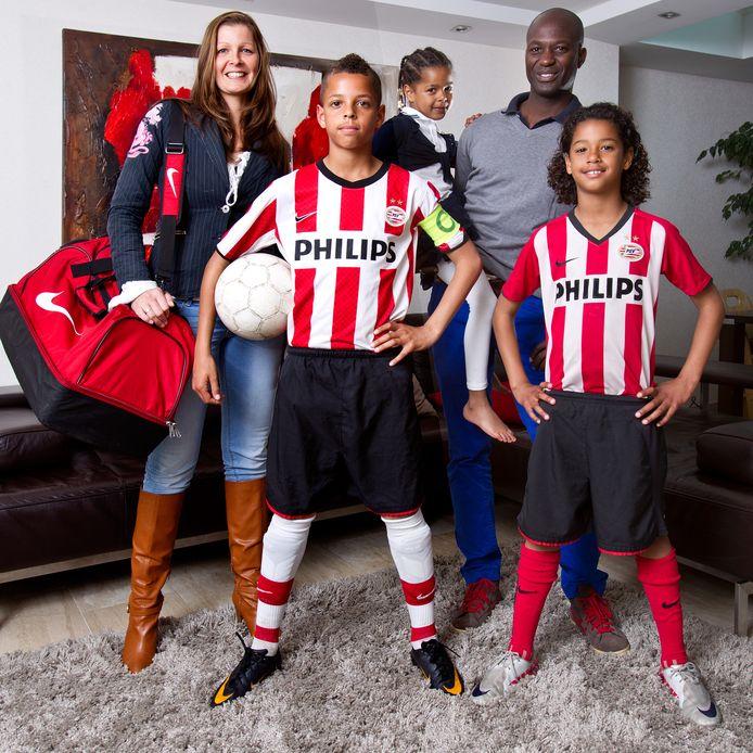Justin en Nigel enkele jaren geleden in hun tijd bij PSV.