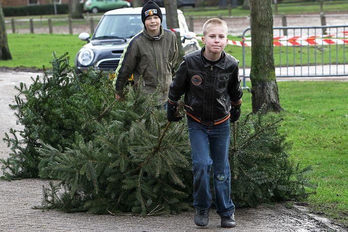 Een vergelijkbare kerstbomeninzameling, jaren terug in Lochem.