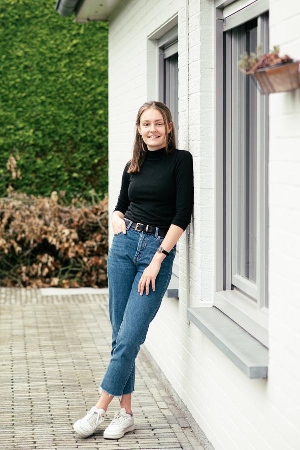 Julie Wouters (20): 'Critici zeggen weleens dat de aandelenmarkt vooral toegankelijk is voor mensen die rijk geboren worden.'